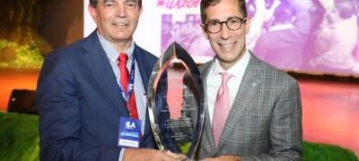 Presidente da Rede de Farmácias São João é condecorado com o mérito Leadership Award da Dale Carnegie