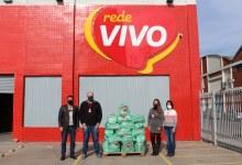 Rede Vivo faz doação de 50 cestas básicas à comunidade cachoeirense.