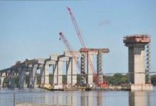 Intervenção noturna na freeway com finalidade de lançamento de pré-moldados, para a construção da Nova Ponte do Guaíba
