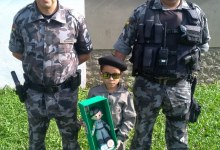 Brigada Militar de Rio Pardo recebe a visita do menino de 6 anos que sonha em ser policial